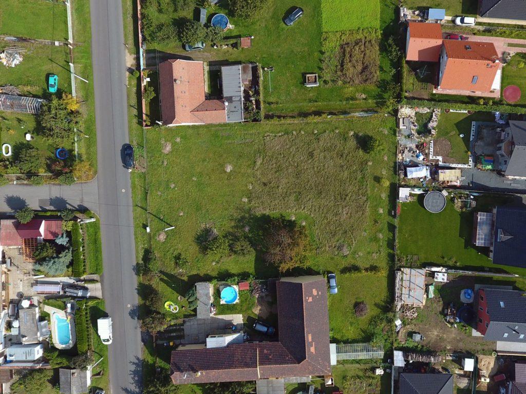 Fotka pozemku z dronu